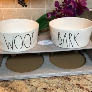 """🆕🐶 RAE DUNN 8"""" two extra large pet bowls."""